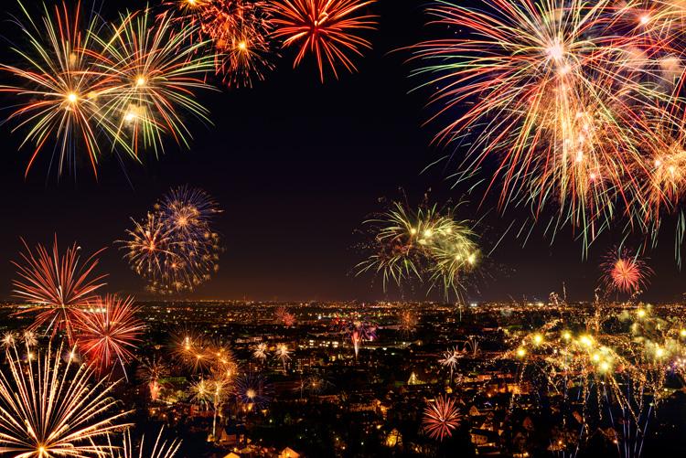 https://globallegalebilling.com/wp-content/uploads/2015/11/Fireworks.jpg
